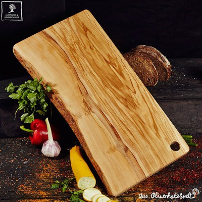 Cutting board natural shaped with a hole