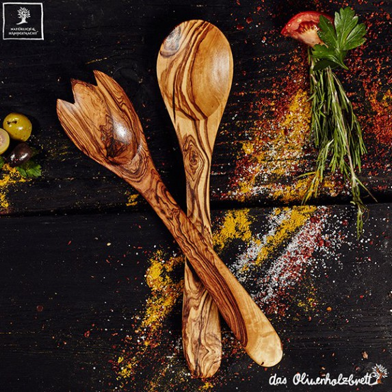 salad servers out of olive wood - a must have