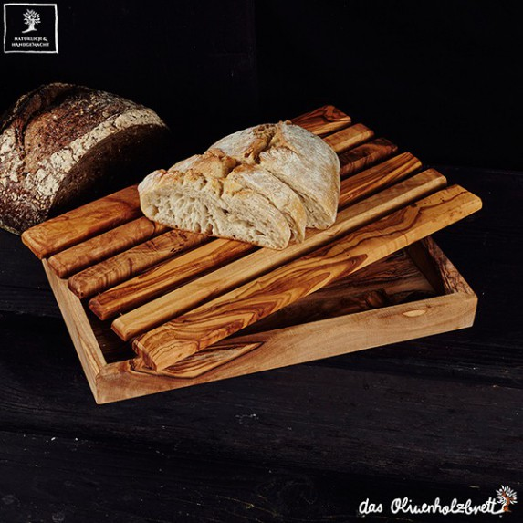 bread cutting board with crumb catcher