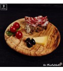 Round cutting board with juice groove
