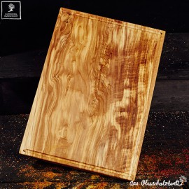 Large cutting board with juice groove