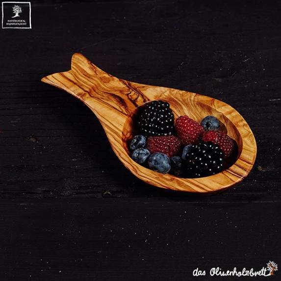 Little olive wood bowl with handle