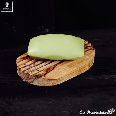 Ribbed oval soap holder inclusive soap