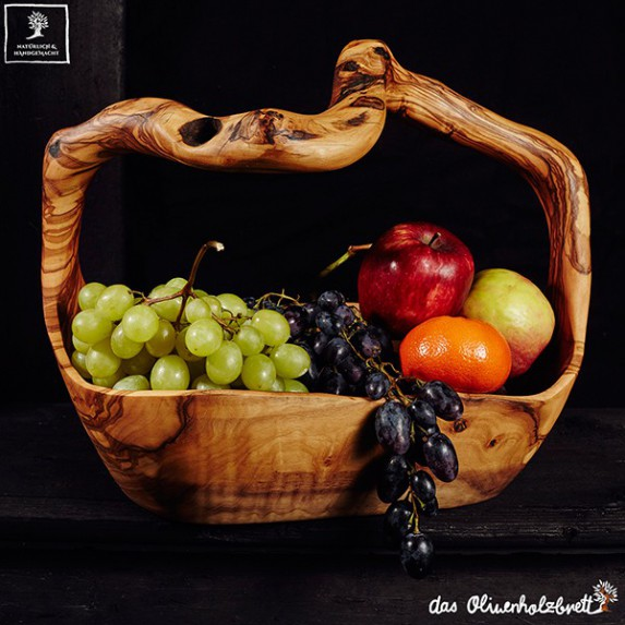 Big bowl for fruits or other vegetable. Very decorative, 100% handmade out of olive wood