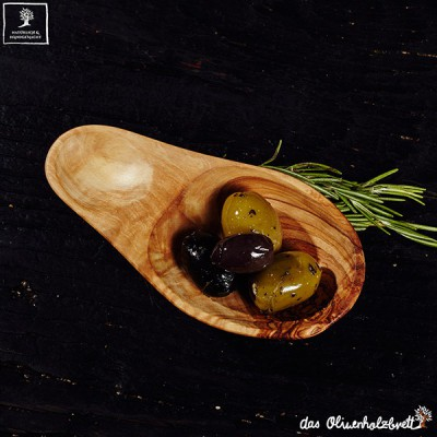 Bowl for olive fruits, olive wood