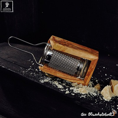 Parmesan grater with olivewood box